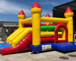 Bouncy castle jump and slide